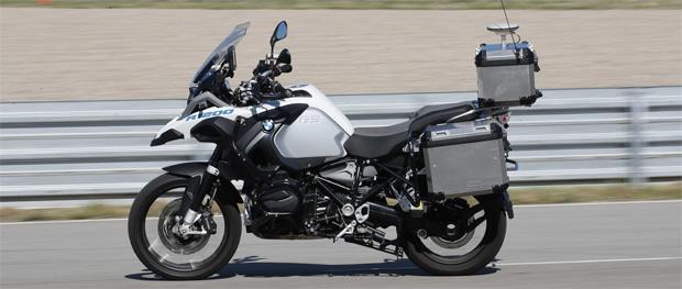 BMW Motorrad lässt BMW R 1200 GS autonom fahren