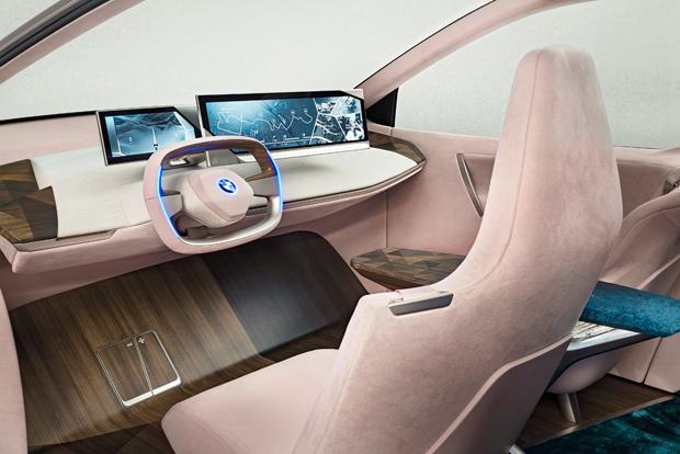 Weltpremiere des BMW Vision iNEXT auf der L.A. Auto Show 2018