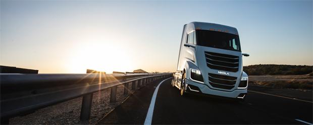Bosch und Nikola entwickelten Brennstoffzellenantrieb für den Elektro-Schwerlaster Nikola Two Alpha