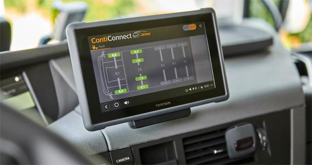 Continental präsentiert als Demo-Lkw einen Volvo FH auf der IAA Nutzfahrzeuge