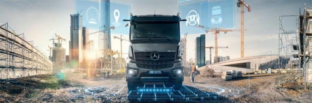 Daimlers leistungsfähige Messehighlights: Actros und Arocs