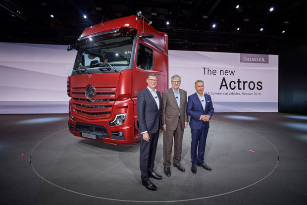Daimler verkündet neue Partnerschaft mit Proterra Inc. auf IAA