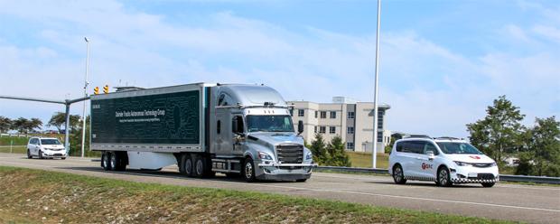 Daimler erprobt Lkw mit SAE Level 4-Technologie auf öffentlichen Straßen in den USA