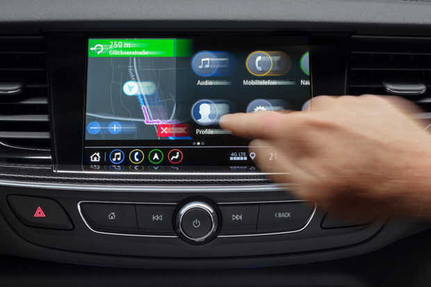 On-Board-Navigation mit Connected Services im Opel Insignia