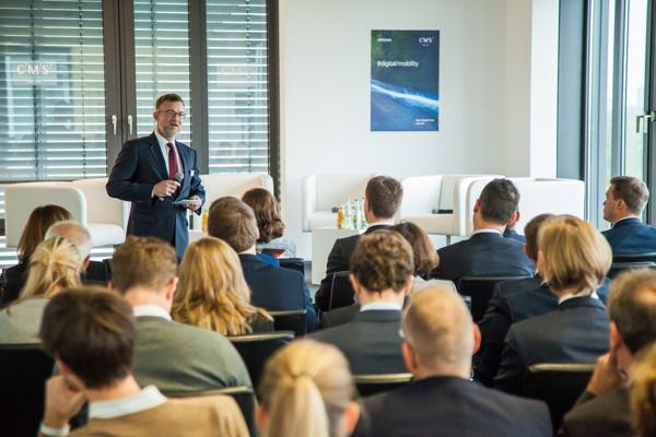 Dr. Gerd Leutner eröffnet als Gastgeber die #digital/mobility am 13. Oktober 2016 in Berlin